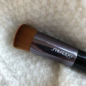 Shiseido Foundation brush (brand new)